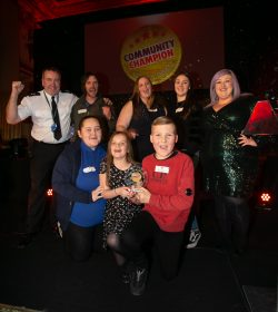 Community Champion Glasgow Awards Grand Final 2018. City Chambers, Glasgow. Winner of the public services award is Royston Youth Action. Presenting is Chief Supt Brian McNulty, Divisional commander Greater Glasgow Division, Police Scotland and event Host Michelle McManus.     Photograph by Colin Mearns 27 November 2018